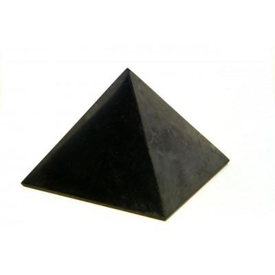 Шунгитовая пирамида полированная (длина грани основания 10 см)